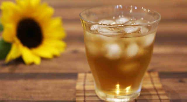 麦茶の効能と副作用を解説!むくみや便秘、肌荒れや血流改善に効果あり!