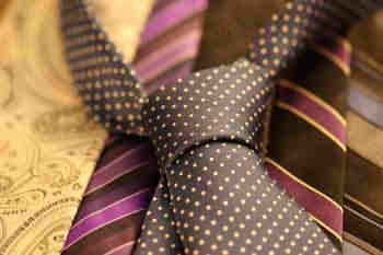 cravat-987584_640