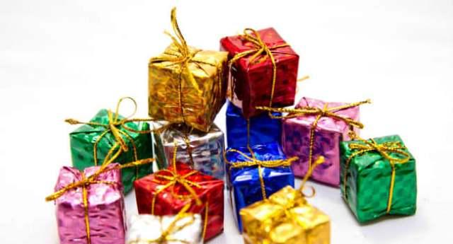 クリスマスプレゼント2019!中学生の彼女が喜ぶアイテムランキング14選
