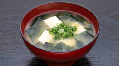 味噌汁のカロリーは1杯でいくら?大根や豆腐など具材別のカロリー【一覧】