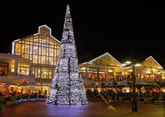 Cape-Town-waterfront-Christmas-tree