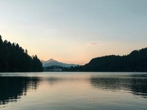 朝のブレッド湖