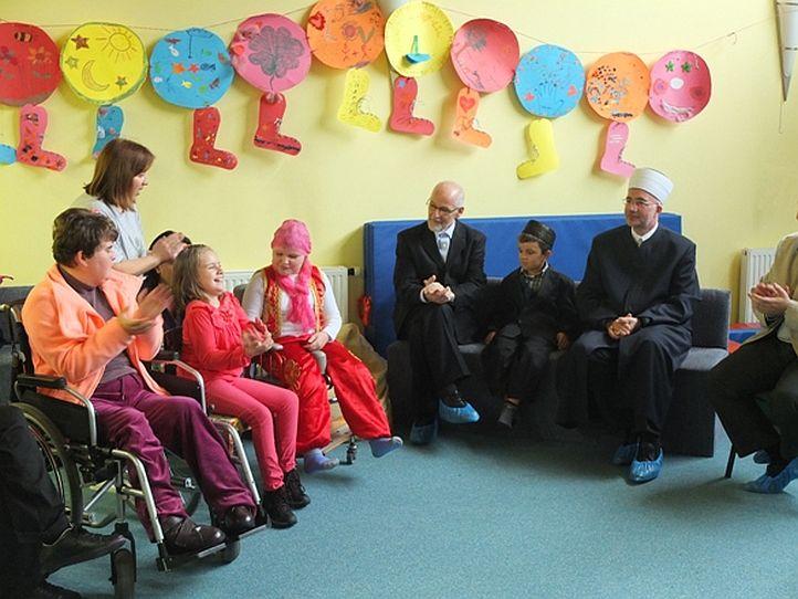 Muftija tuzlanski posjetio centre koji brinu o djeci sa smetnjama u razvoju