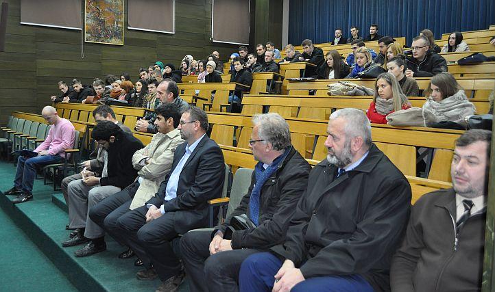 Vakufska direkcija obezbijedila 60 stipendija za studente Univerziteta u Sarajevu