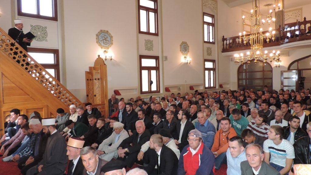 Bajram namaz u bijeljinskoj Sulejmaniji