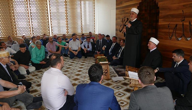 Reisu-l-ulema: Izaći na izbore i glasati za Srebrenicu