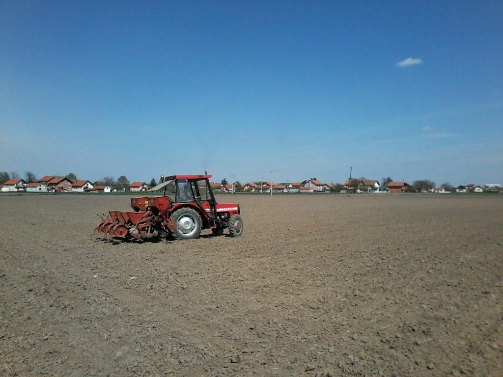 Završena sjetva kukuruza na Vakufskom poljoprivrednom dobru MIZ Bijeljina