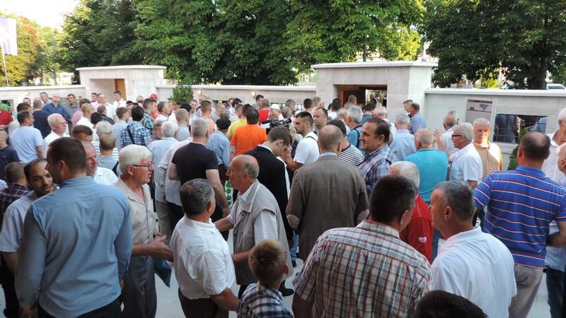 Bajram namaz u Bijeljini (FOTO)