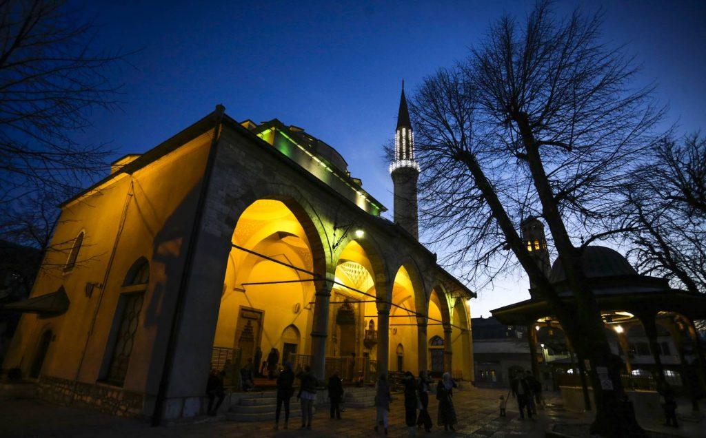 Večeras se obilježava mubarek noć Lejletu-l-kadr, centralna svečanost u Gazi Husrev-begovoj džamiji