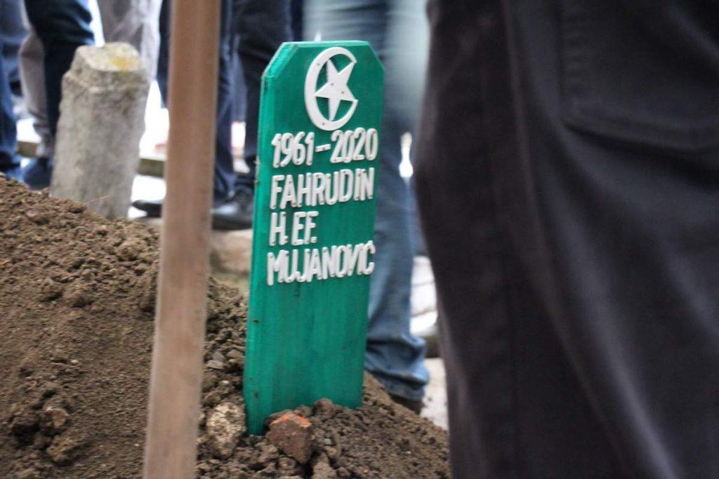 Klanjana dženaza Fahrudin-ef. Mujanoviću