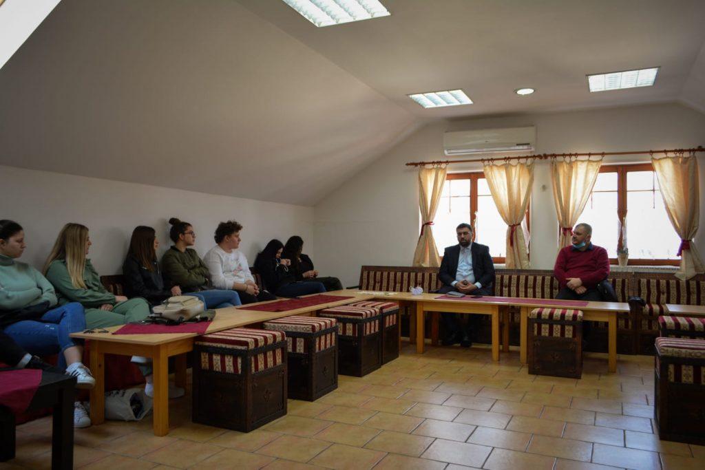 Dan nezavisnosti Bosne i Hercegovine i Kurs Islama za srednjoškolce: Odgoj i obrazovanje