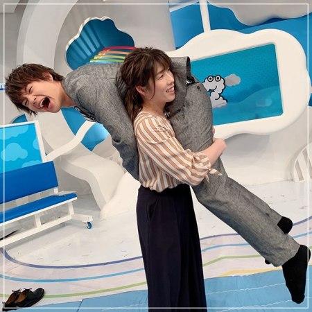 最近綺麗になった吉田沙保里が人を抱えているインスタ画像