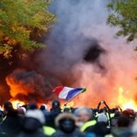 FRANCJA - BUNT ŻOŁNIERZY POPIERA POLICJA !!