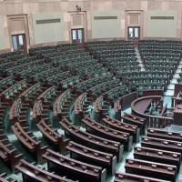 Małość Kaczyńskiego nie zna granic. Prezes PiS nie chce oddać fotel Korwinowi