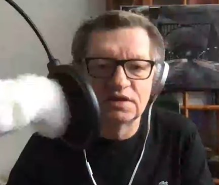 Piotr Wroński prowadził transmisję na żywo.
