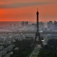 FRANCJA WPROWADZI ŚCISŁĄ KWARANTANNĘ NA 30 DNI - NIKT NIGDZIE NIE BEDZIE MÓGŁ WYJSC NAWET NA 5 MINUT !!