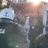 Międzynarodowy Marsz o Wolność - Warszawa BLOKADA, UWOLNIENIE DZIECI, UŻYTO GRANATÓW I GAZU, ZATRZYMANIA FOTO, VIDEO  24.10.2020 Cz 2 ☀Autor Gabi☀