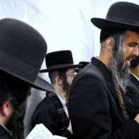 Setki Żydów pielgrzymuje do Leżajska. COVID już nie taki straszny? ☀Autor Gabi☀