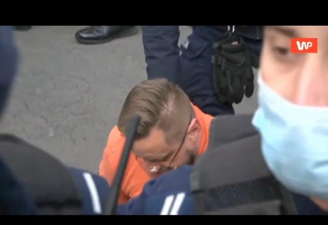 Paweł Tanajno zatrzymany przez policję w W-wie w dniu 10.04.2021r