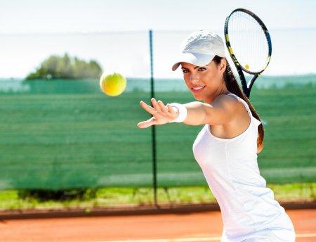depositphotos_42796561-stock-photo-female-playing-tennis