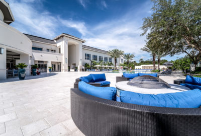 Mizner-Country-Club-Pool-Outdoor-Seating