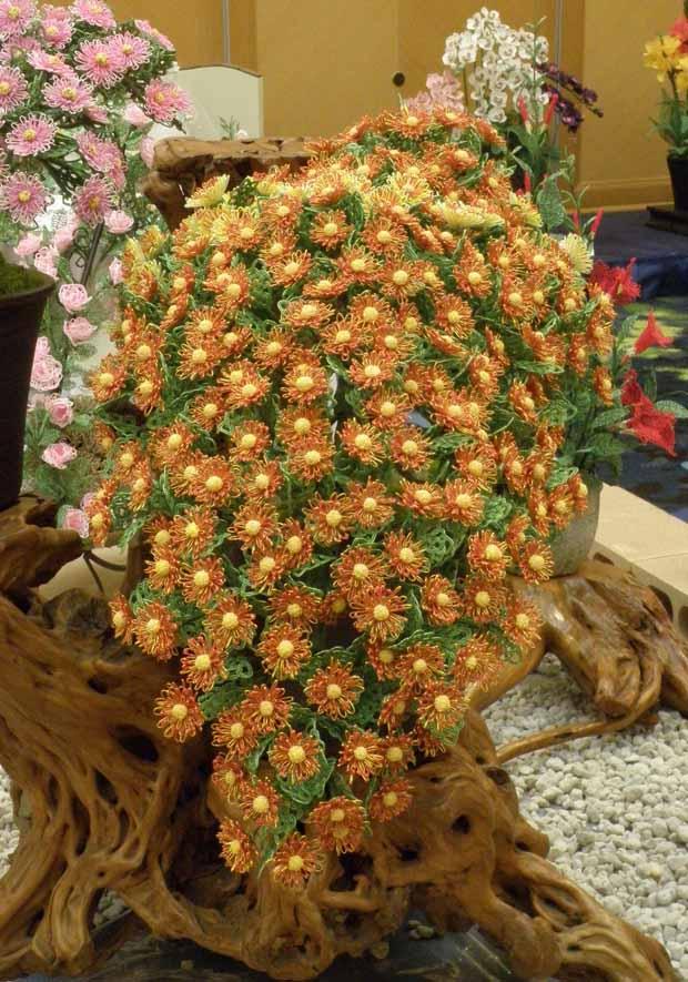 水引アート生徒 小作 和子 作 菊の懸崖「秋の彩り」写真