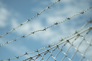 barbed-wire-1079337_640.jpg