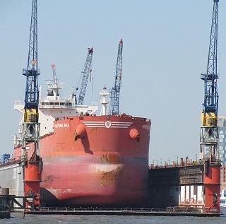ship-940608_640.jpg