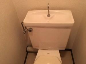 トイレタンクからチョロチョロと水漏れの音がしたら・・・