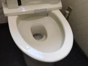 トイレトラブルにあったらまずは冷静になることです