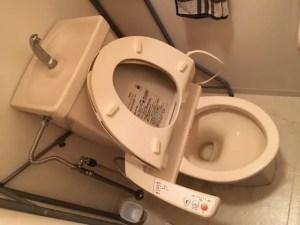 トイレタンク内での音に注意してください