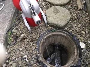 下水管内の詰まり直し
