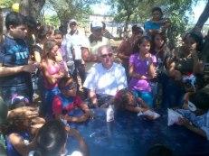 EL Provincial con niños del barrio La Lucha
