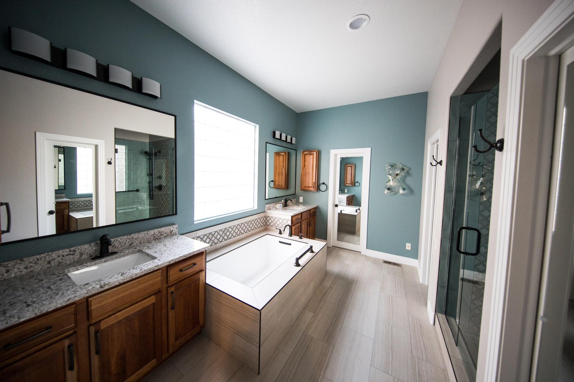 Salle de bains ancienne : rénovez-la à moindre coût