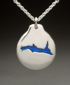 lake francis pendant silver
