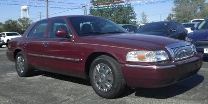 2008 Mercury Grand Marquis (Not Actual Suspect Vehicle)