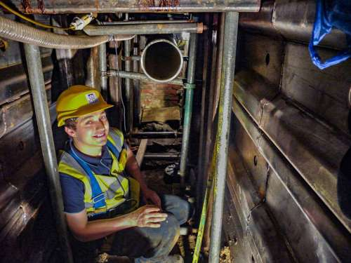 """alt=""""Tunnelling Specialist with Safety Equipment."""">"""