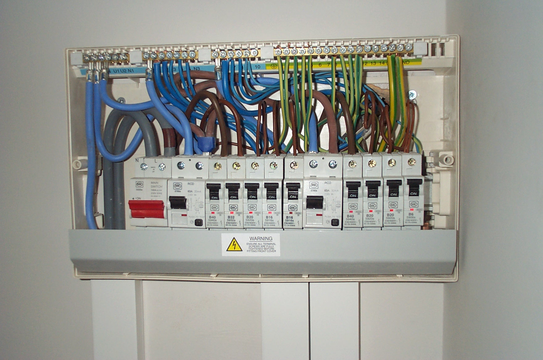 distribution board wiring diagram wall socket consumer units milton keynes electrician mjs