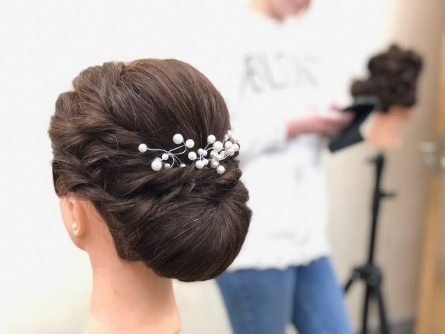 going pro? here's how to price your bridal hair & makeup