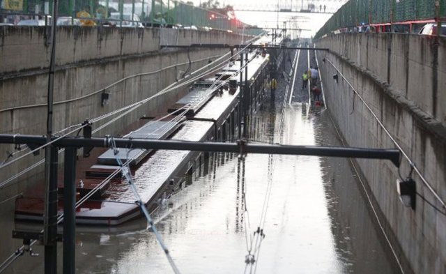 Rail cars under water yesterday in Guadalajara