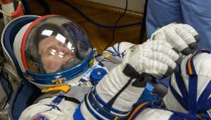 Russian cosmonauts will probably not fly on the capsules of the American crew until next year – Spaceflight Now