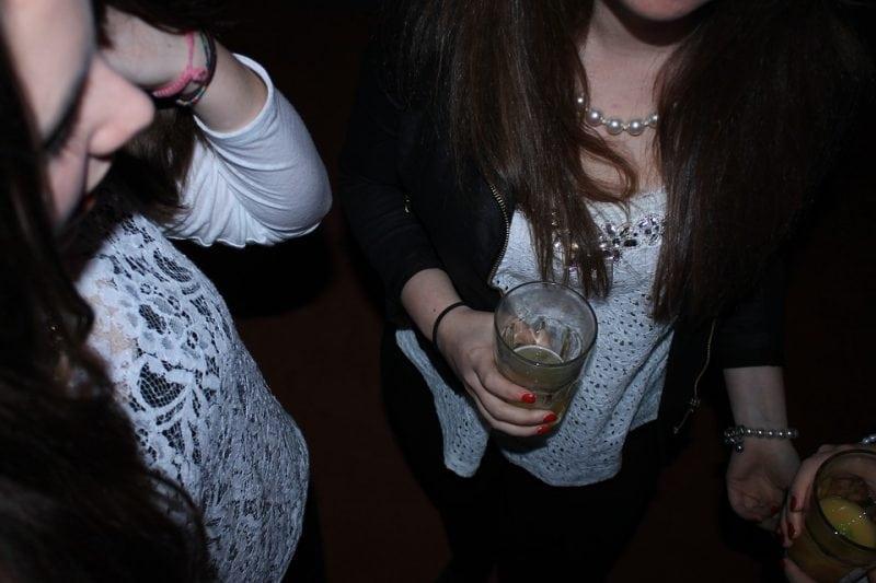 Обнаружена взаимосвязь между тревогой и употреблением алкоголя у подростков