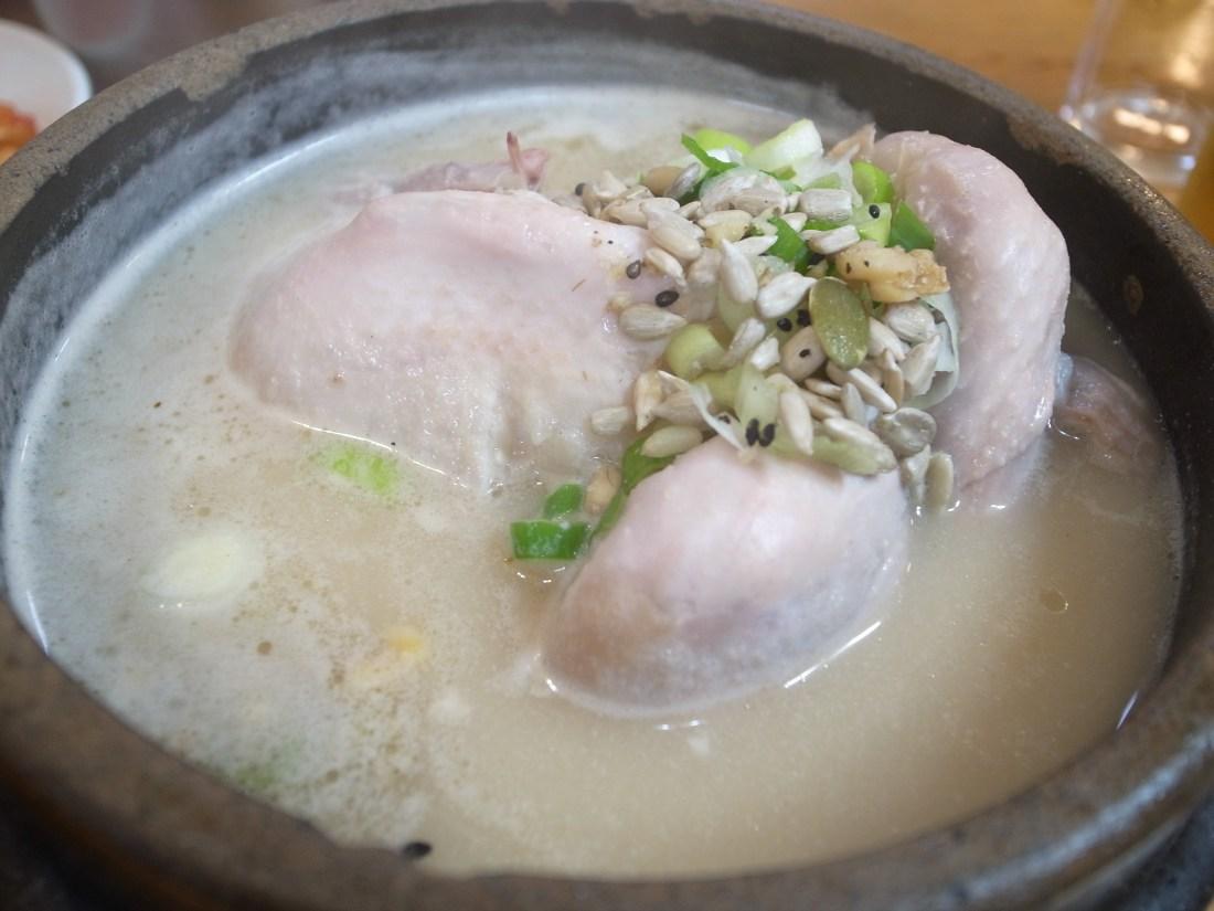 蔘鷄湯(삼계탕)
