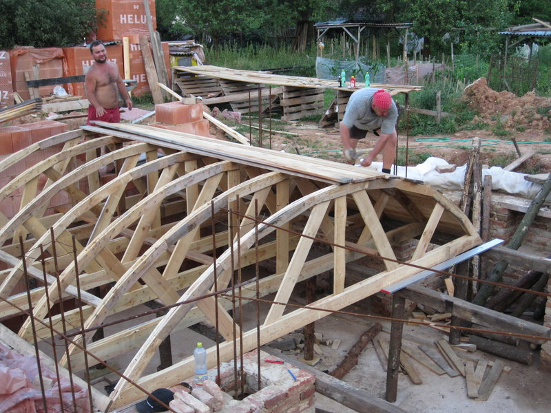 How to build a brick vaulted ceiling for Barrel roof trusses