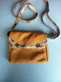 Sac-marron-cuir_ferme