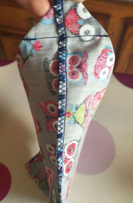 Pochette-encours-crochet_A-coton-triangle-vue-cote