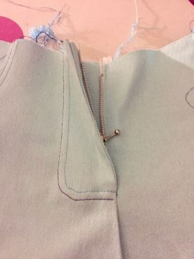 Pantalon-jeans_surpiqure-zip