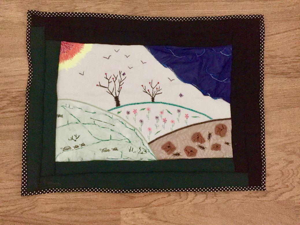 Essai d'art textile: un paysage en tissu