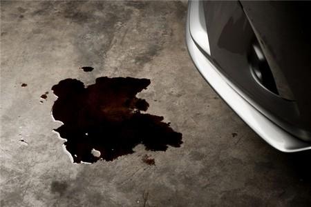 Prepoznajte mrlje ispod automobila