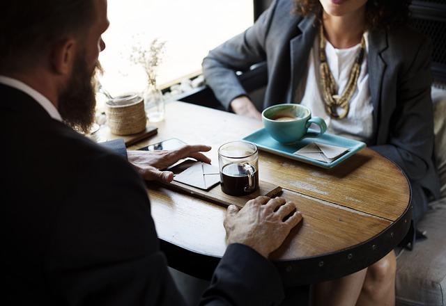Jak ještě více zdokonalit MLM proces v získávání zákazníků na svoji stranu? Naslouchejte a pak pokládejte ty správné otázky.